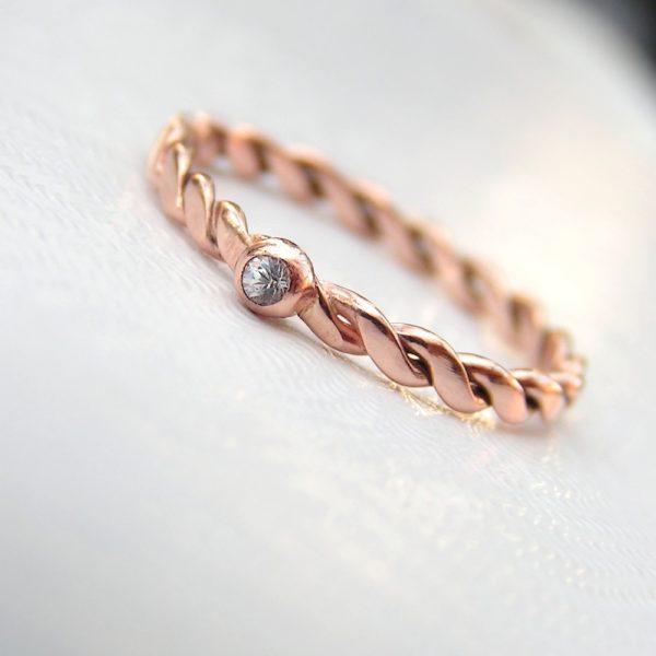 Dainty White Sapphire Rose 9k Gold Ring