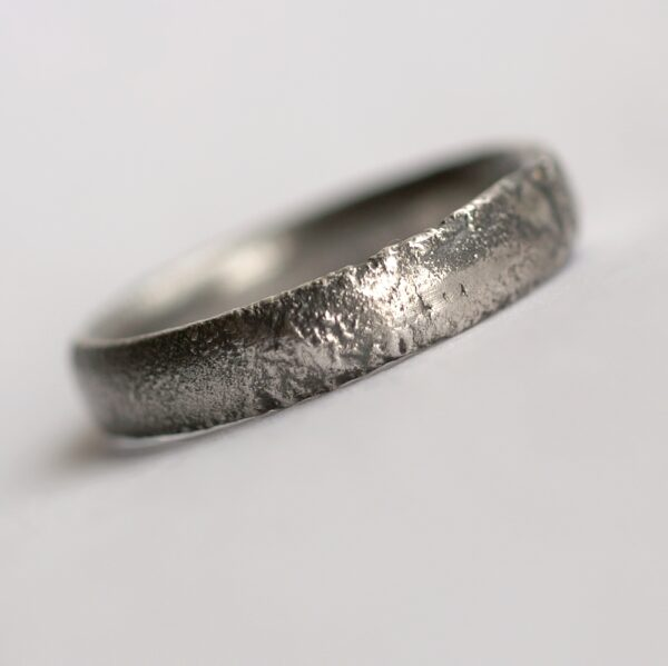 Rustic Oval Men's Ring