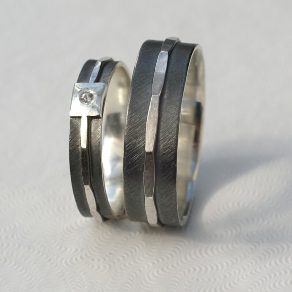 Silver Textuerd 4mm + 6mm Set: These rings are made of sterling silver. Main part is textured, oxidized and slightly polished, middle part is hammered and polished to shine. Inside of the ring is also shiny.