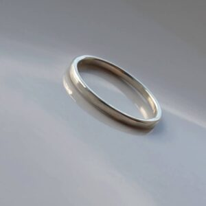 hin 9k White Gold Wedding Band - Simple dainty white gold wedding ring. Thin, lightweight and versatile, easy to combine with engagement ring.
