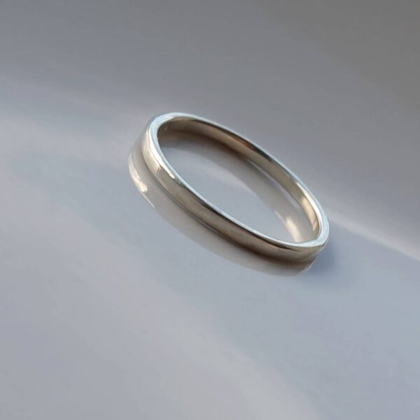 Thin 9k White Gold Wedding Band